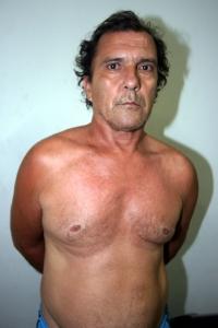 O pedreiro João Batista Lopes, 52 anos, estrangulou a mulher e cavou um buraco no quintal para esconder o corpo