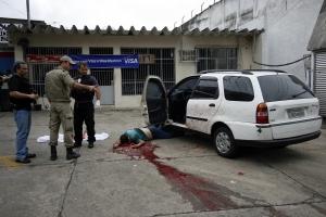 O sargento do Corpo de Bombeiros Carlos Alexandre Silva Cavalcante, o Gaguinho, foi executado com diversos tiros de fuzil, no início de janeiro