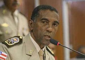 Comandante geral da Polícia Militar da Bahia, coronel Nilton Régis Mascarenhas, afirmou que será composta uma comissão para discussão e elaboração de projeto de modernização da PMBA, comportando toda questão logística, valorização profissional do PM, equipamentos de proteção individual e o plano de carreira