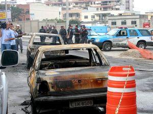 CV cumpre promessas de ataques registradas em carta Carros-incendiados-01